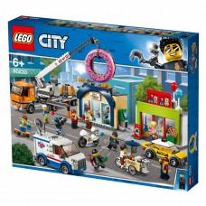 LEGO City Конструктор Открытие магазина пончиков 60233
